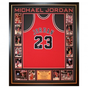 HAND SIGNED MICHAEL JORDAN BULLS AUTHENTIC FRAMED JERSEY
